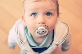 奶嘴的后遗症 长期使用奶嘴对宝宝好吗