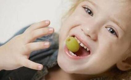 宝宝牙齿问题如何护理 孩子牙摔坏咋处理